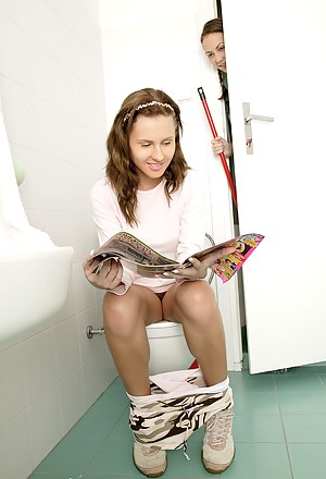 Best Toilet Porn Pictures
